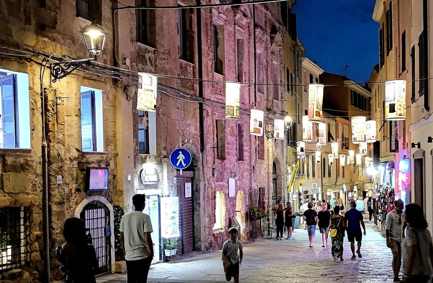 Holidays in Sardinia: where to go? Why to choose Alghero...